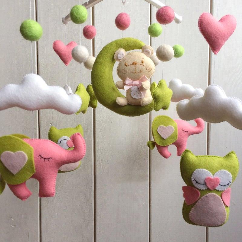 Мобиль на кроватку новорожденному Розовый Слоненок