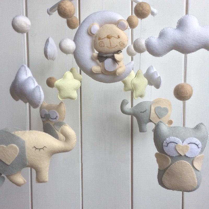 Дитячий мобіль для новонародженого Казка на ніч