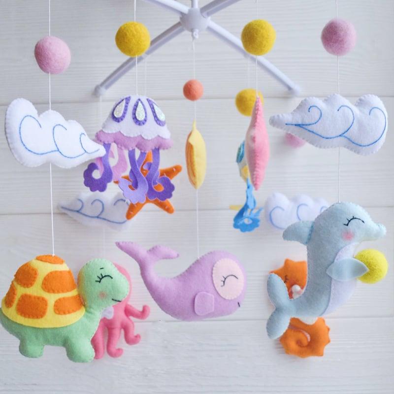 Дизайнерський мобіль новонародженому в подарунок Морська Казка