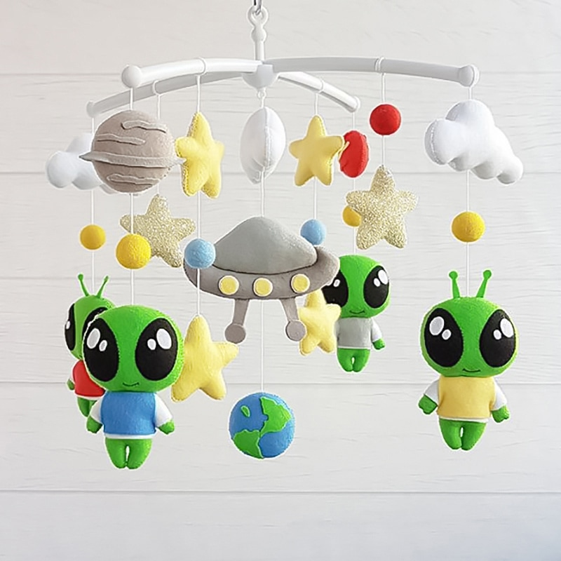 Детский мобиль Пришельцы в Доме
