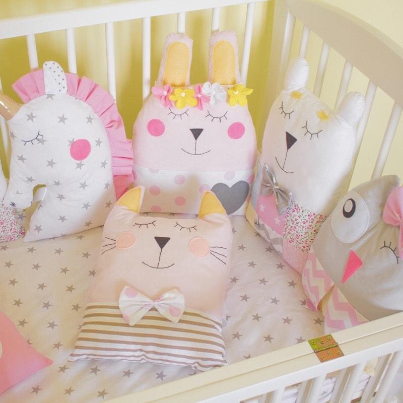 Дизайнерские бортики в кроватку для девочки Принцесса и Единорог
