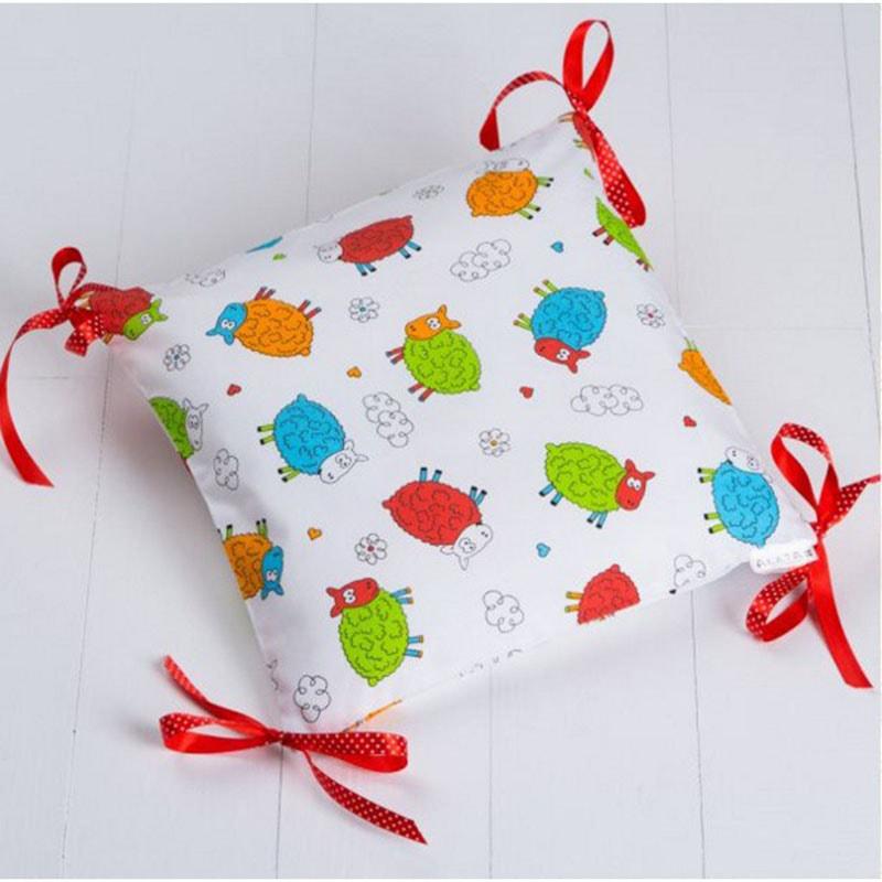 Подушка ручной работы для ребенка Барашек
