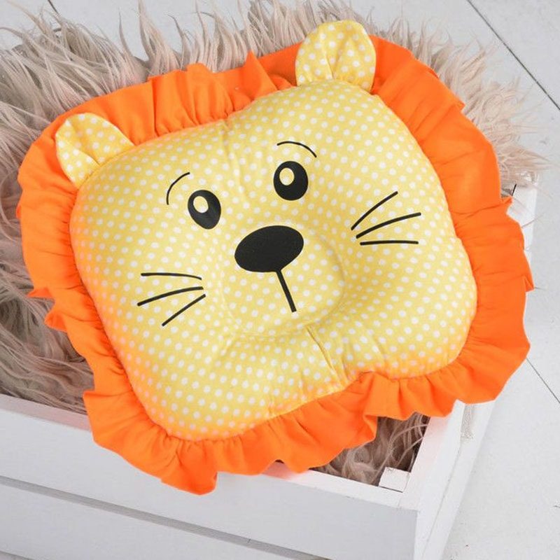 Подушка ручної роботи для дитини Лев