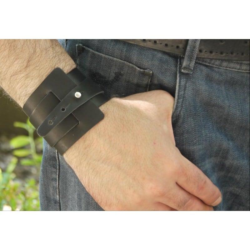 Кожаный браслет мужской Нelix black leather