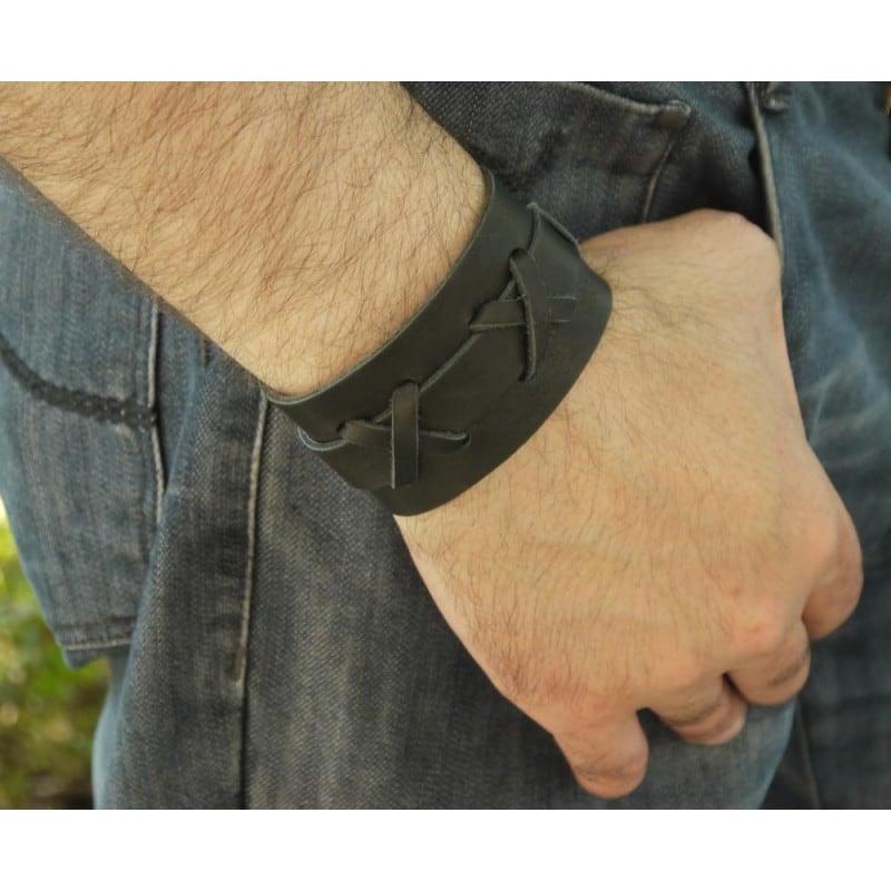Шкіряний браслет чоловічий Cross Рattern black leather