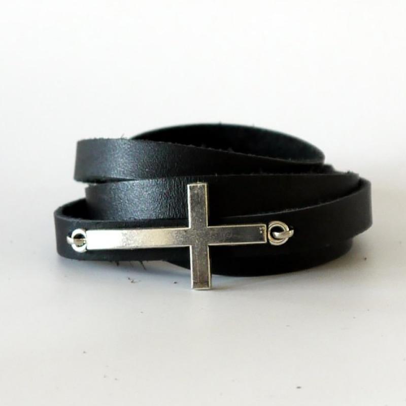 Кожаный браслет с пряжкой Cross black leather