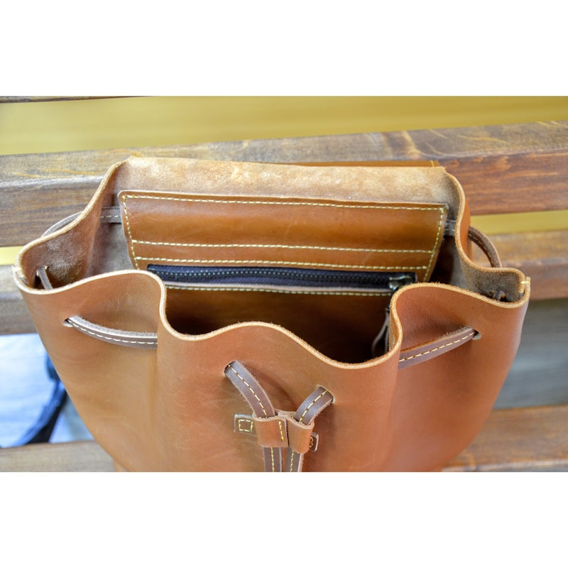 Жіночий рюкзак в подарунок Red leather