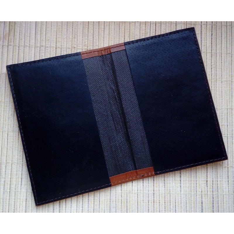 Кожаная обложка в подарок на паспорт Грифон Brown leather