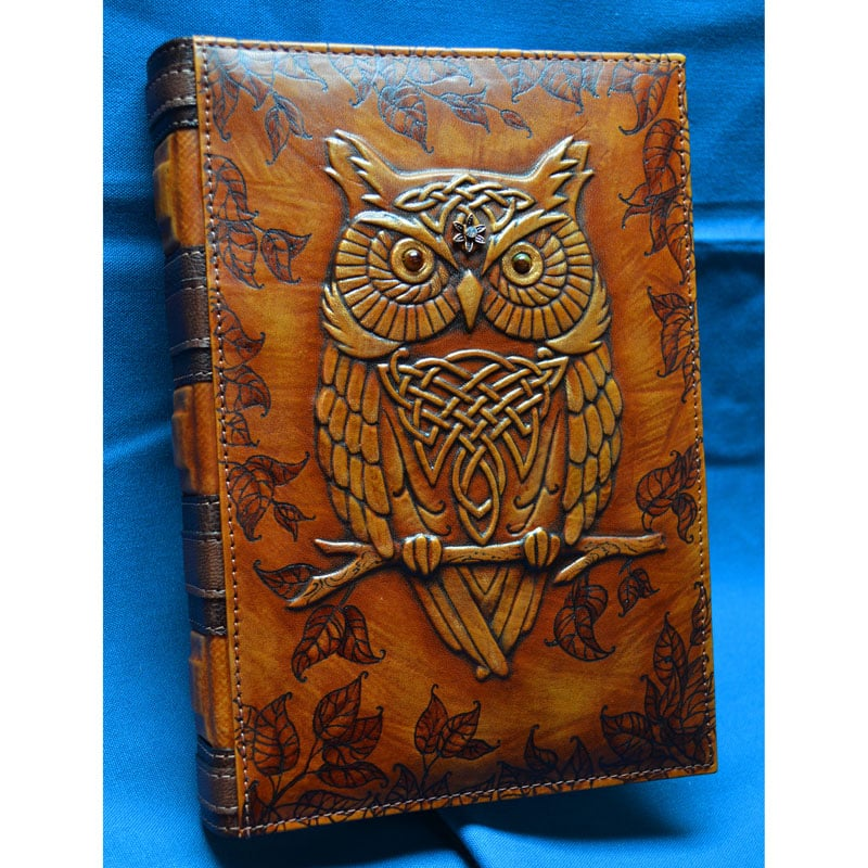 Кожаный ежедневник с гравировкой WISE OWL brown leather