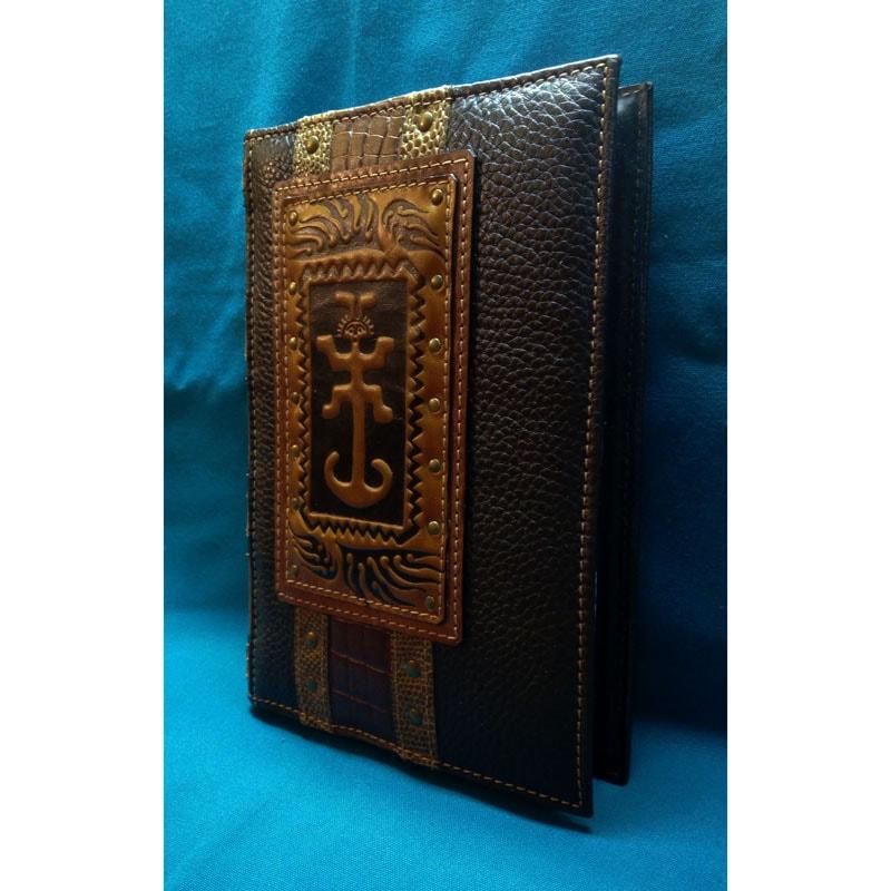 ожаный ежедневник в подарок AMULET brown leather