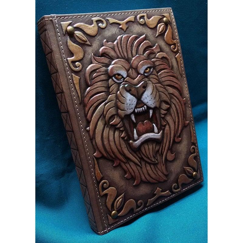 Ежедневник Handmade в подарок мужчине Неукротимый лев
