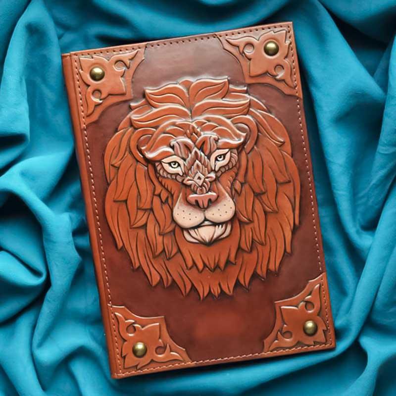 Щоденник в шкіряній палітурці Noble Lion brown leather