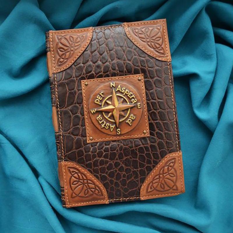 Кожаный ежедневник Wind rose brown leather
