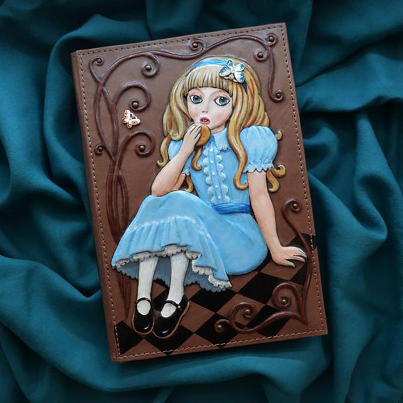 Щоденник в шкіряній палітурці Magic of Lewis Carroll brown leather