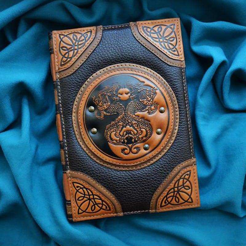 Щоденник в шкіряній обкладинці Yin-Yang Dragons brown leather