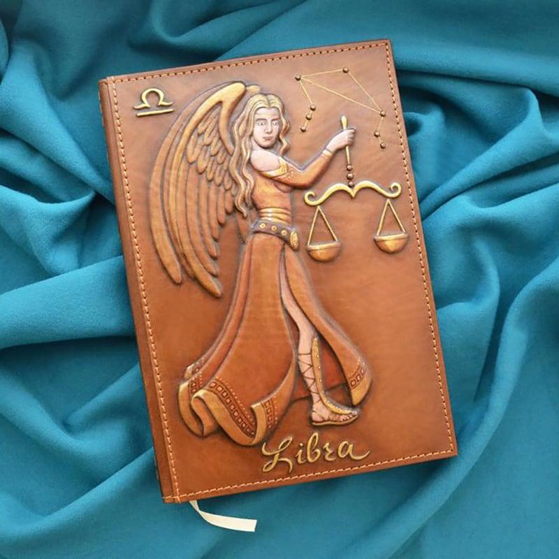 Блокнот в шкіряній обкладинці Libra Zodiac brown leather