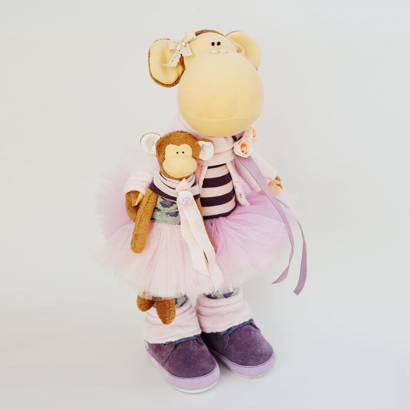 Дизайнерская игрушка Обезьянка-мама