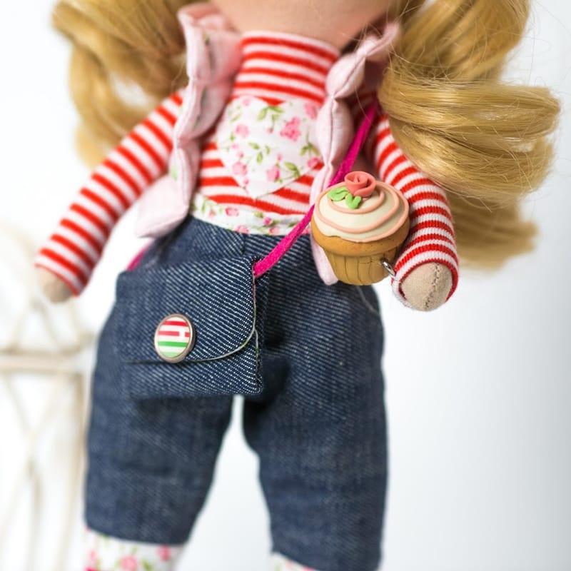 Дизайнерская кукла в подарок Сластена с мороженым
