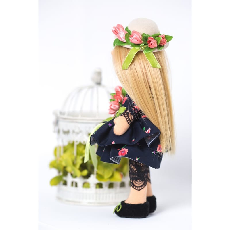 Кукла интерьерная Девочка в Шляпке