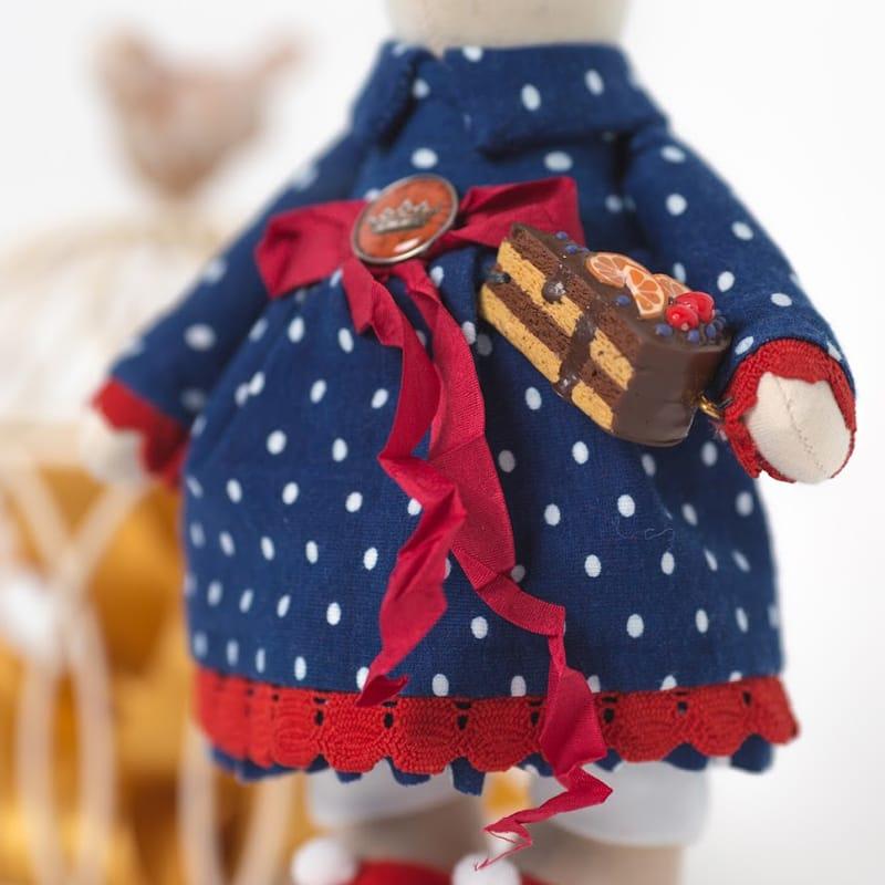 Лялька Handmade з текстилю Зайчик з Тортом Тільда