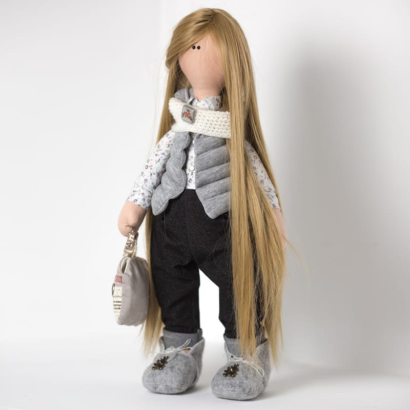 Лялька Дівчинка в шапочці Білий Ведмедик