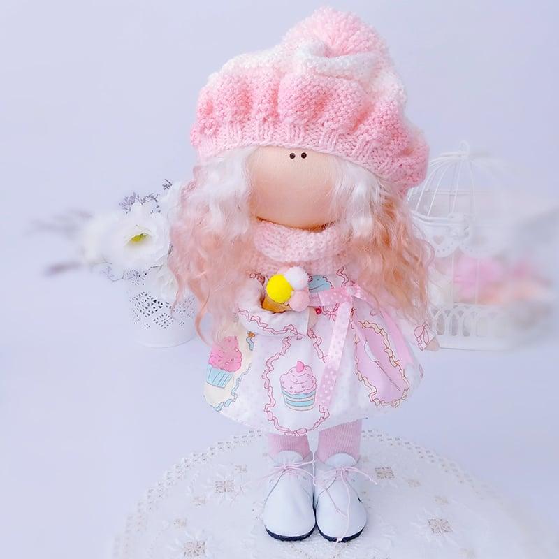 Дизайнерська лялька з текстилю Дівчинка в Рожевому Берете