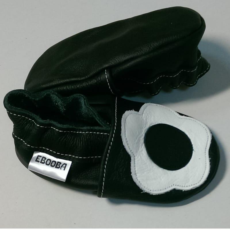 Вишукані туфельки для дівчинки Еbooba Білий Квітка (black leather)