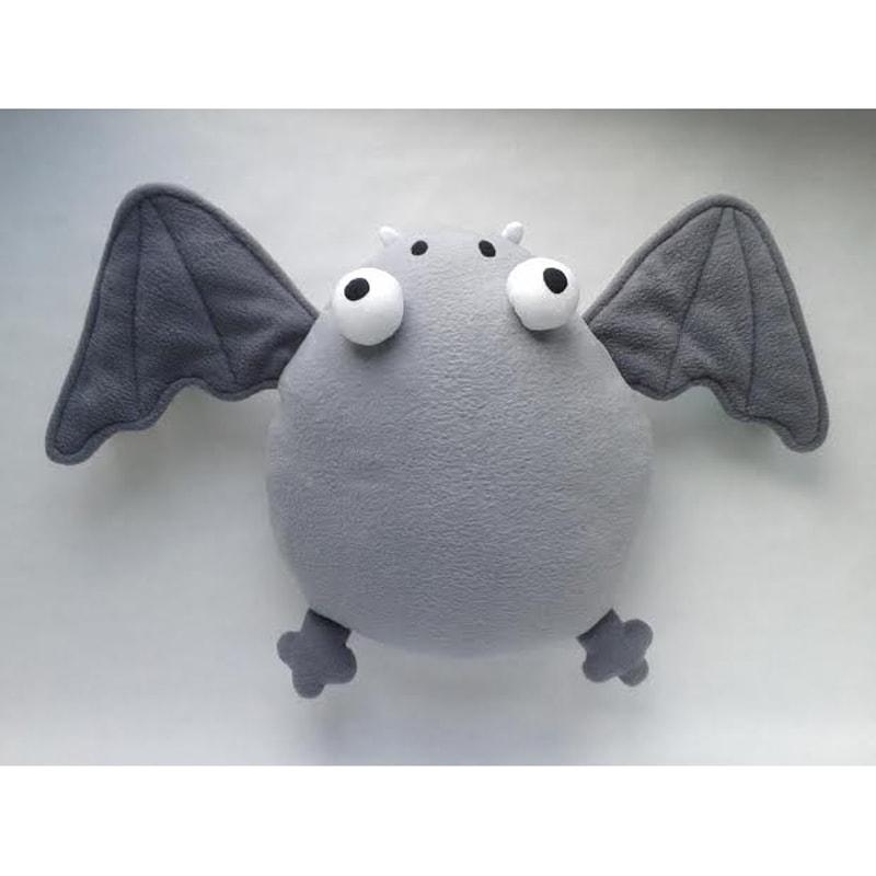 Эксклюзивная дизайнерская мягкая подушка Летучая Мышь Хлоя