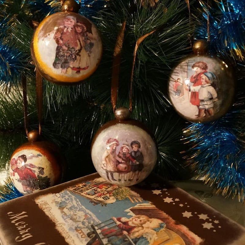 Авторский набор елочных шаров Happy New Year