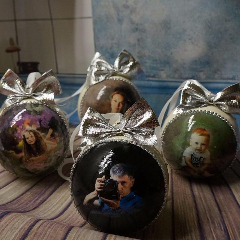 Дизайнерский набор елочных шаров Именной