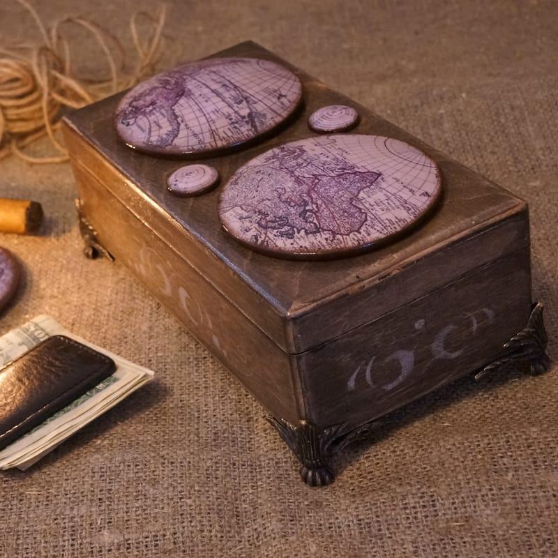 Дизайнерська чоловіча дерев'яна скринька для грошей World Мар