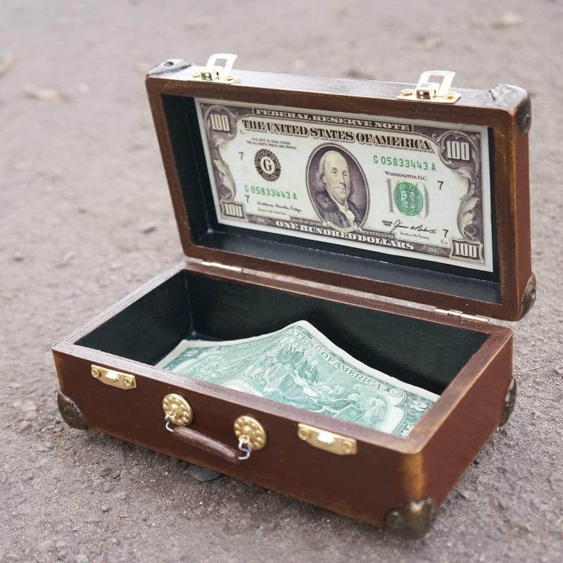 Дизайнерская деревянная шкатулка для денег в подарок Valise