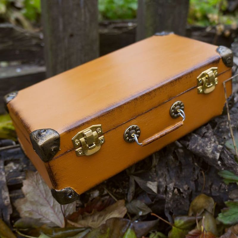 Унісекс купюрница з дерева ручної роботи в подарунок Old Suitcase