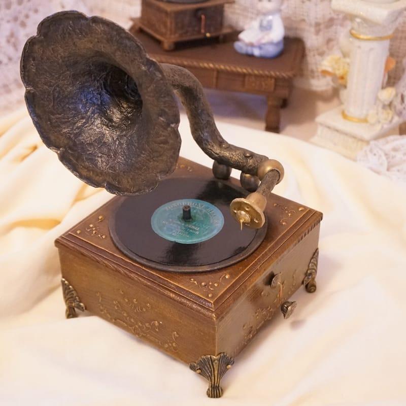 Дизайнерська вінтажна скринька в подарунок Gramophone