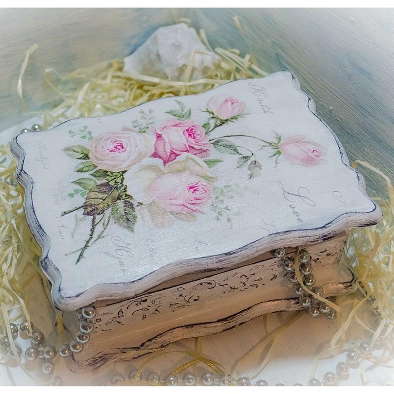 Дизайнерська скринька жінці у подарунок Vintage Rose