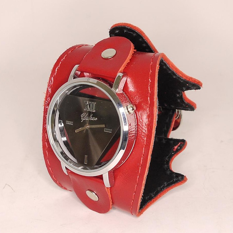 Часы женские в подарок Red Queen leather