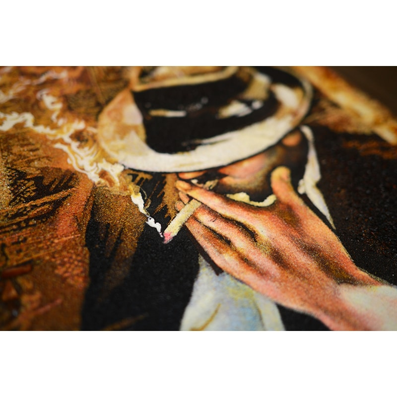 Картина из янтаря Мужчина с сигаретой