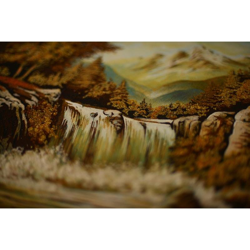 Пейзаж з бурштину в подарунок Водоспад