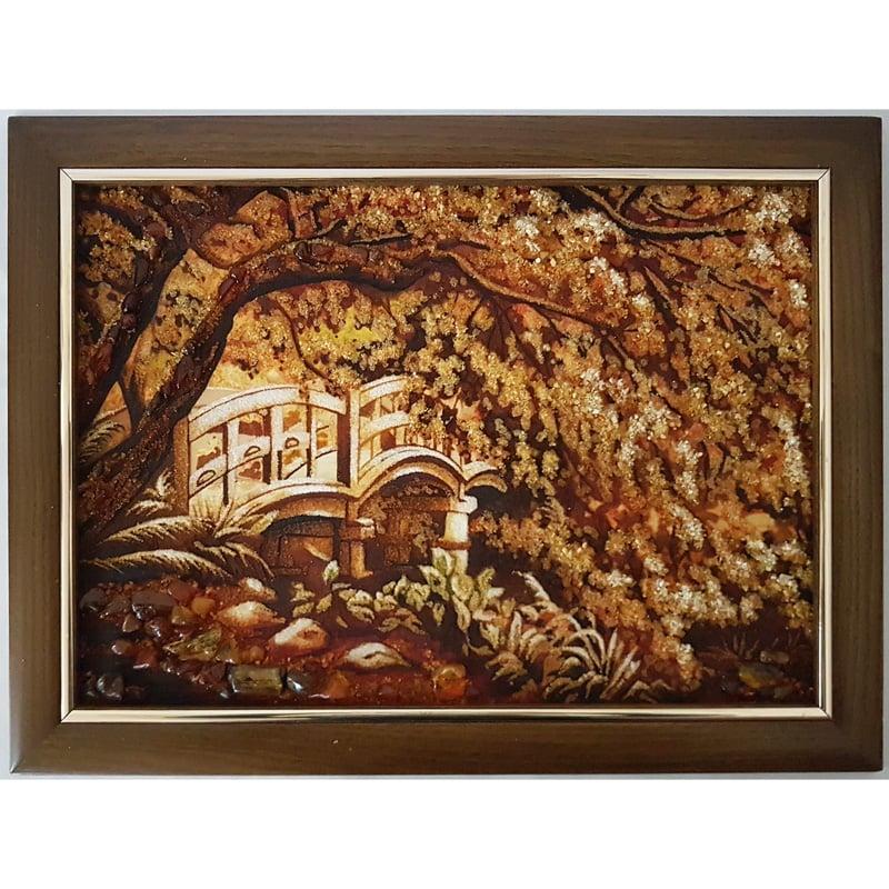 Авторское панно ручной работы из янтаря Мостик в саду