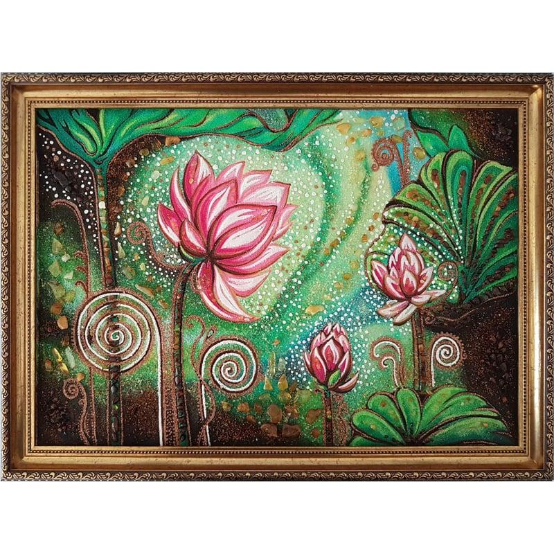 Дизайнерская картина из янтаря Лотос