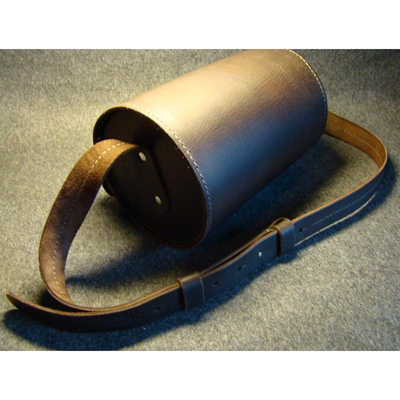 Женская кожаная сумка – цилиндр