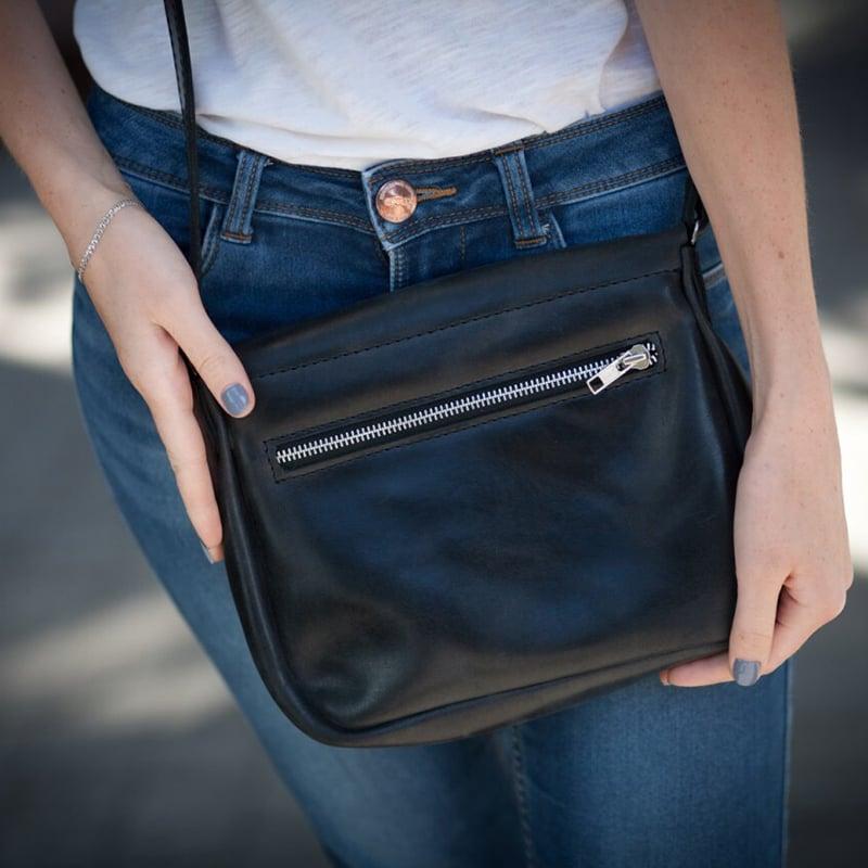 Женская сумка ручной работы в подарок Black Leather