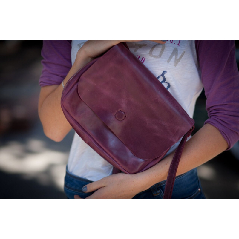 Дизайнерская кожаная сумка в подарок Vinous Leather