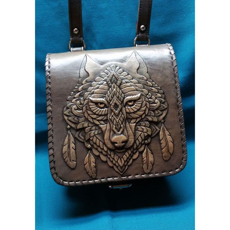 Дизайнерская кожаная сумка в подарок Дух Волка