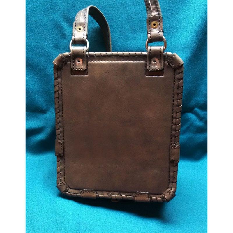 Дизайнерська шкіряна сумка в подарунок Дух Вовка