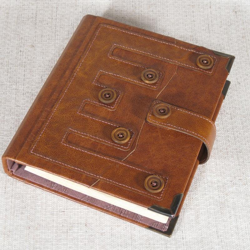 Семейный фотоальбом в подарок Family Pattern Red leather