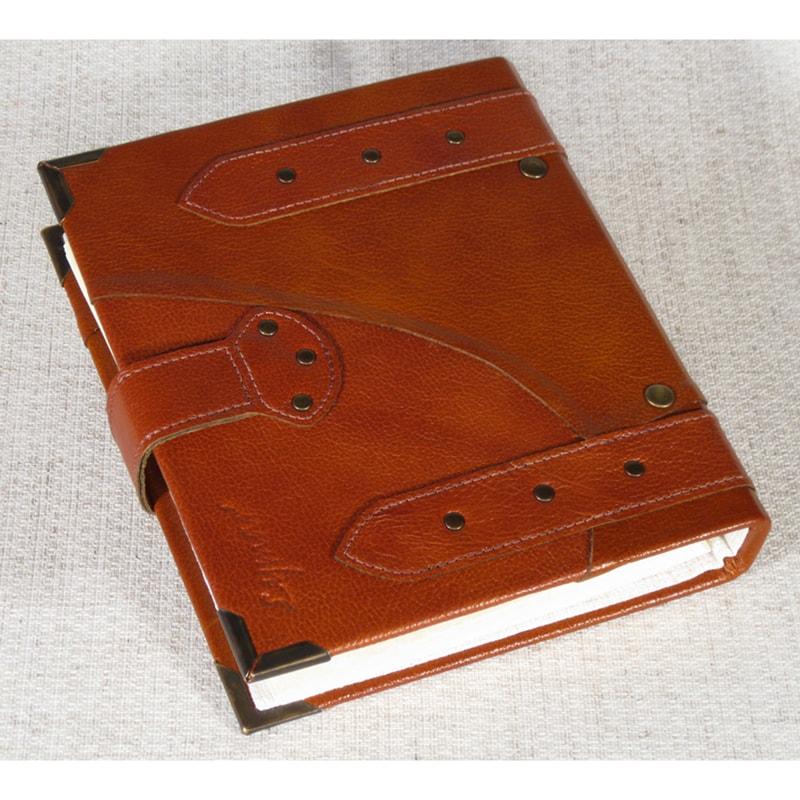 Кожаный фотоальбом в подарок Family Portfolio Red leather