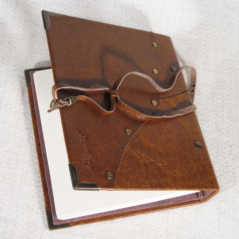 Кожаный фотоальбом для подарка Family Print Red leather