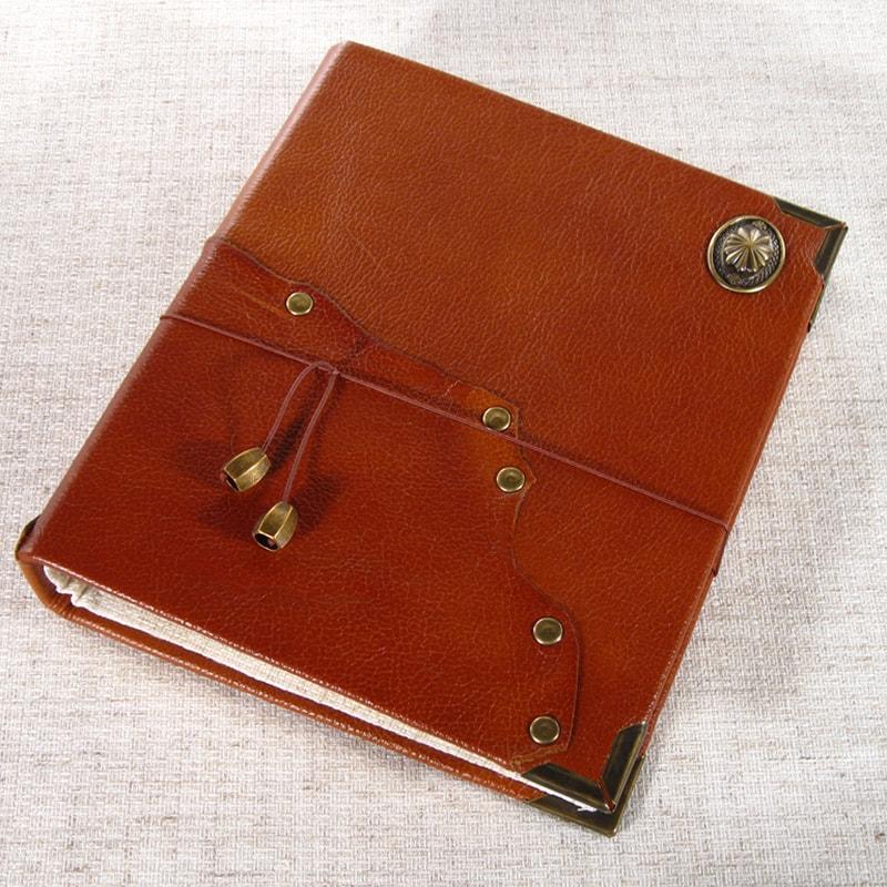 Семейный фотоальбом в подарок Retro Red leather