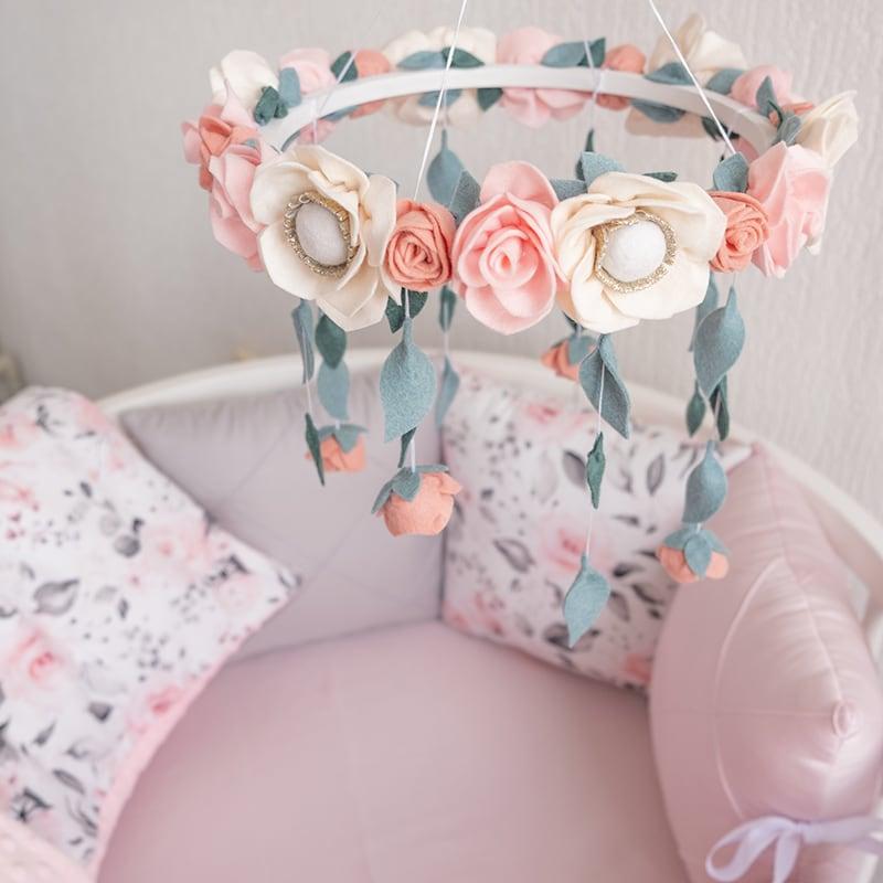 Бортики в кругле ліжечко дівчинці Рожевий Віночок